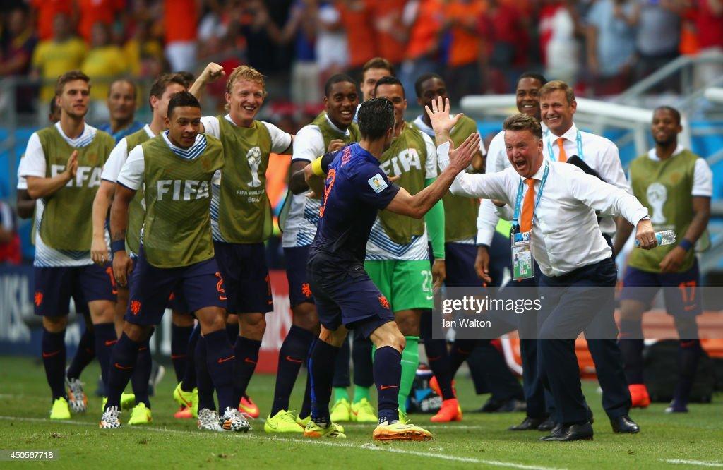 Spain v Netherlands: Group B - 2014 FIFA World Cup Brazil : ニュース写真