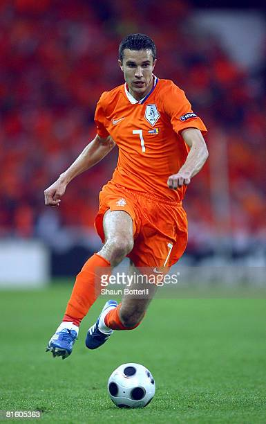 Robin van Persie of the Netherlands controls the ball during the UEFA EURO 2008 Group C match between Netherlands and Romania at Stade de Suisse...