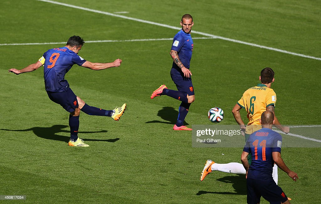 Australia v Netherlands: Group B - 2014 FIFA World Cup Brazil : News Photo