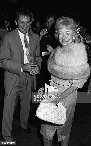 Robin Williams and Laura McLaurin attend the premiere of Moscow on the Hudson on March 30 1984 at the Academy Theater in Beverly Hills California