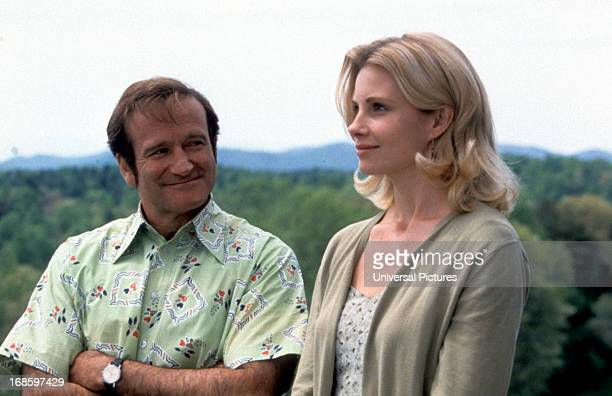 Robin Williams and Monica Potter in a scene from the film 'Patch Adams' 1998