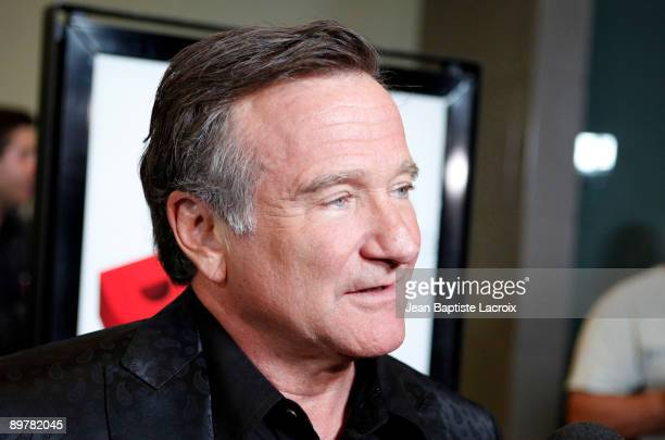 """Robin Williams arrives at the Los Angeles premiere of """"World's Greatest Dad"""" at the Landmark Theater on August 13, 2009 in Los Angeles, California."""