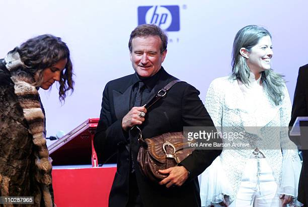Robin Williams during amfAR's Cinema Against AIDS Benefit in Cannes, Presented by Bold Films, Palisades Pictures and The Weinstein Company - Show at...
