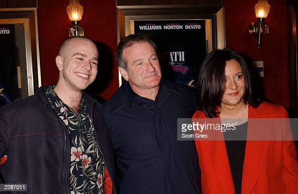 Robin Williams with his son Zack and wife Marsha arrive at the premiere of 'Death To Smoochy' at the Ziegfeld Theater in New York City 3/26/02 Photo...