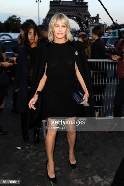 Robin Wright arrives at the Saint Laurent show as part of the Paris Fashion Week Womenswear Spring/Summer 2018 on September 26 2017 in Paris France