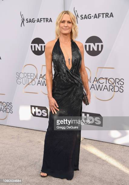 Robin Wright attends the 25th Annual Screen Actors Guild Awards at The Shrine Auditorium on January 27, 2019 in Los Angeles, California. 480645