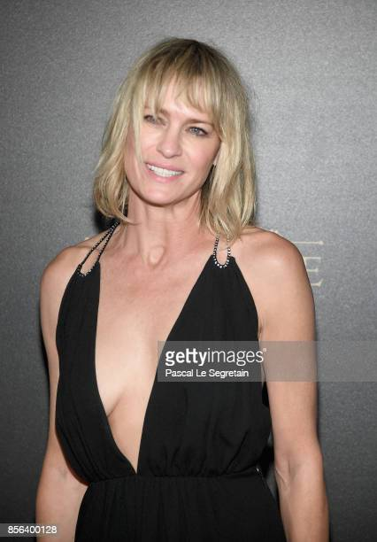 Robin Wright attends the Vogue Party as part of the Paris Fashion Week Womenswear Spring/Summer 2018 at Le Petit Palais on October 1, 2017 in Paris,...