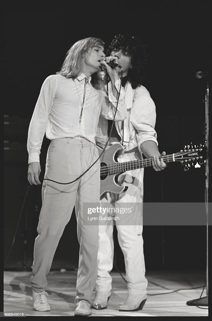 Robin Zander and Tom Petersson of Cheap Trick on Stage : News Photo