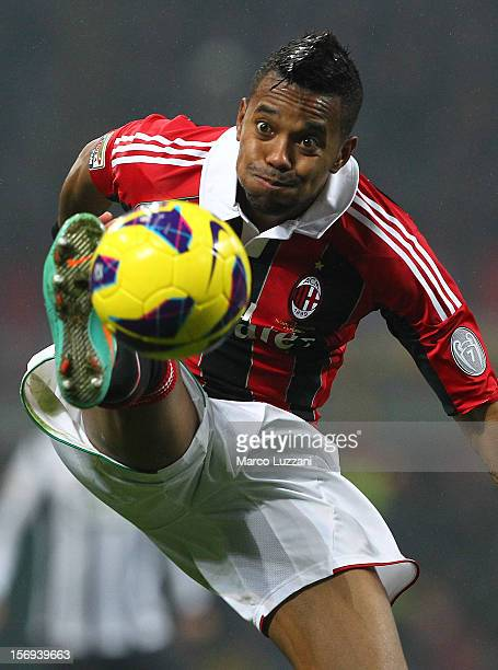 Robinho of AC Milan controls the ball during the Serie A match between AC Milan and Juventus FC at San Siro Stadium on November 25 2012 in Milan Italy