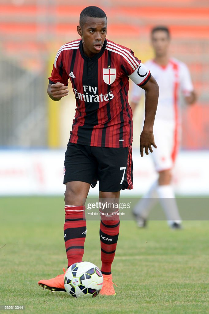 robinho of ac milan in action during the friendly match between ac photo d 39 actualit getty. Black Bedroom Furniture Sets. Home Design Ideas