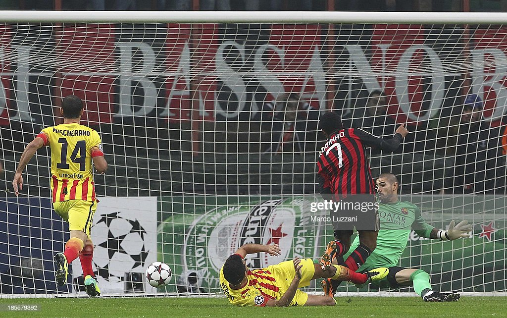 Robinho # 7 of AC Milan scores the opening goal during the UEFA Champions League Group H match between AC Milan and FC Barcelona at Stadio Giuseppe Meazza on October 22, 2013 in Milan, Italy.