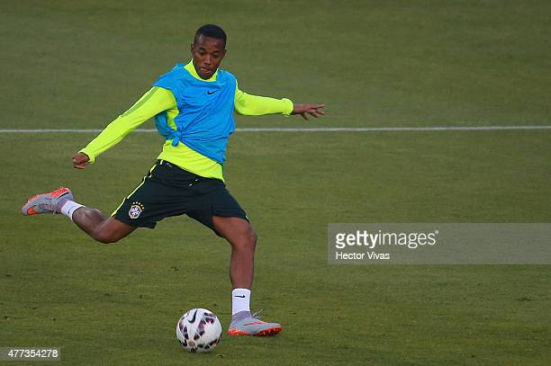 Robinho of Brazil kicks the ball during a training session at Monumental Stadium on June 16 2015 in Santiago Chile Brazil will face Colombia as part...