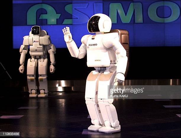 """Robodex 2000 Robot Dream Exhibition In Tokyo, Japan On November 22, 2000 - Honda new humanoid robot """"ASIMO"""" - standing 120cm tall and weighing 43kg, ."""