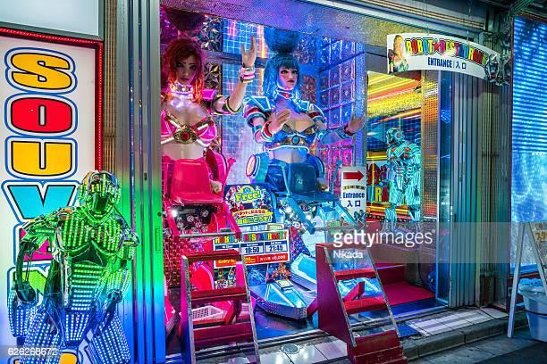 robot restaurant in tokyo, japan - shinjuku stockfoto's en -beelden