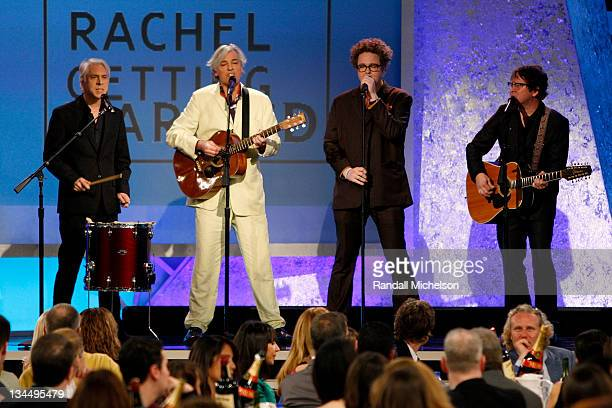 Robyn Hitchcock performs onstage with band Bill Rieflin Sean Nelson and GrantLee Phillips at Film Independent's 2009 Independent Spirit Awards held...