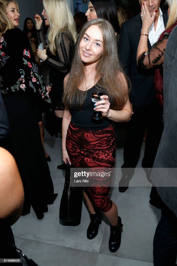 Robyn London attends the Blu Perfer & Blue Brut Launch Party for The 2018 8th annual Better World Awards on November 15, 2017 in New York City.