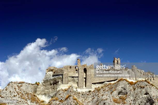 roccella castle - レッジョカラブリア ストックフォトと画像