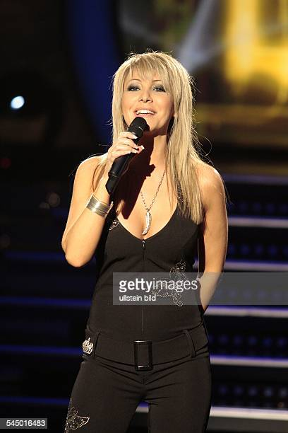 Rocci Rosanna Musician Singer Italy performing at the tvshow Musik fuer Sie in Eisenach Germany