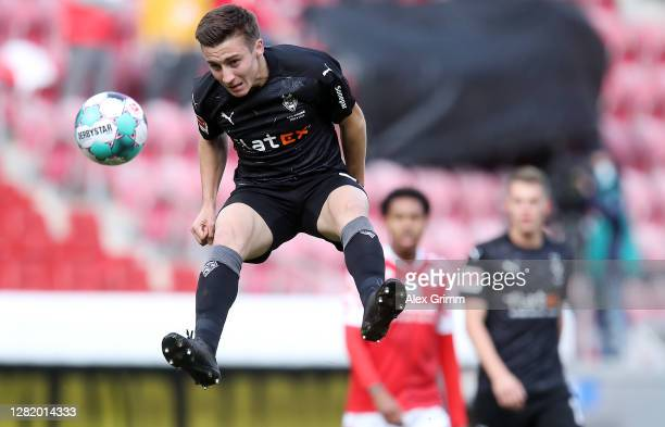 Rocco Reitz of Moenchengladbach jumps for a header during the Bundesliga match between 1 FSV Mainz 05 and Borussia Moenchengladbach at Opel Arena on...