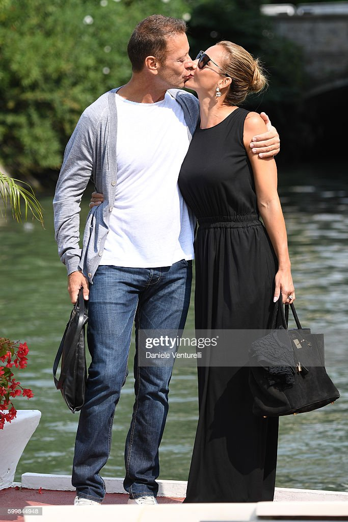 rocco siffredi kisses rosa caracciolo during the 73rd venice film foto di attualit getty. Black Bedroom Furniture Sets. Home Design Ideas