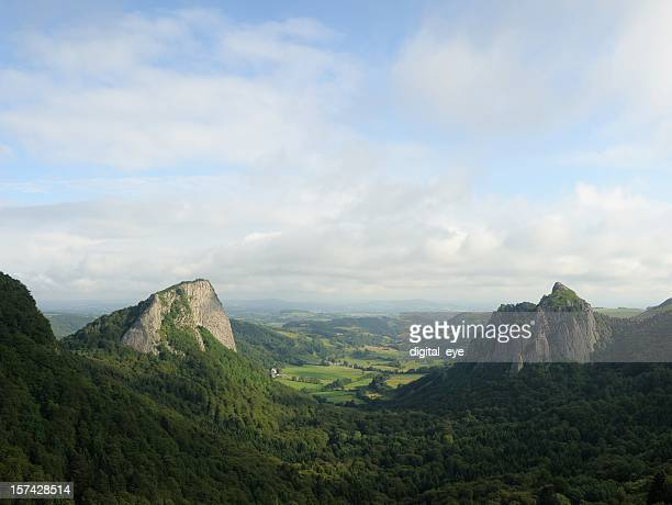 roche tuiliere and sanadoire - auvergne stock pictures, royalty-free photos & images