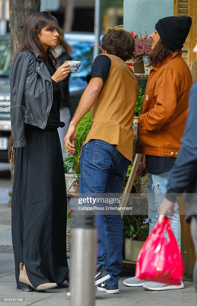¿Cuánto mide Mariló Montero? - Altura Rocio-crusset-and-her-brother-alberto-herrera-are-seen-on-october-14-picture-id615137168