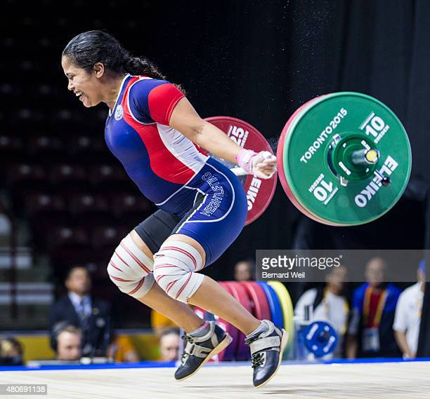OSHAWA ON JULY 14 Rocio Navarro Castillo of Panama grimaces after failing to snatch 92kg in her third attempt during the Pan Am Games Women's 69 kg...