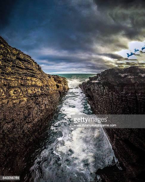 rock and a hard place - ウェックスフォード州 ストックフォトと画像