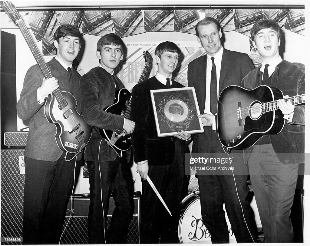 Beatles With Their Producer : ニュース写真