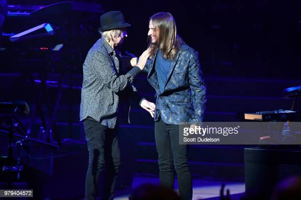 Rock and Roll Hall of Fame member Alan White drummer of the classic rock band Yes and singer Jon Davison perform onstage as a special guest during...