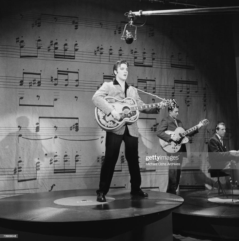 Elvis Presley On Ed Sullivan : News Photo