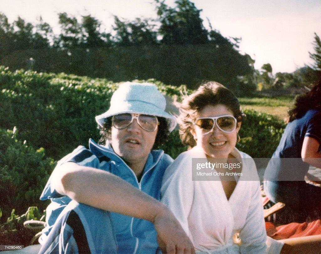 Elvis Presley in Hawaii with Ginger Alden : News Photo