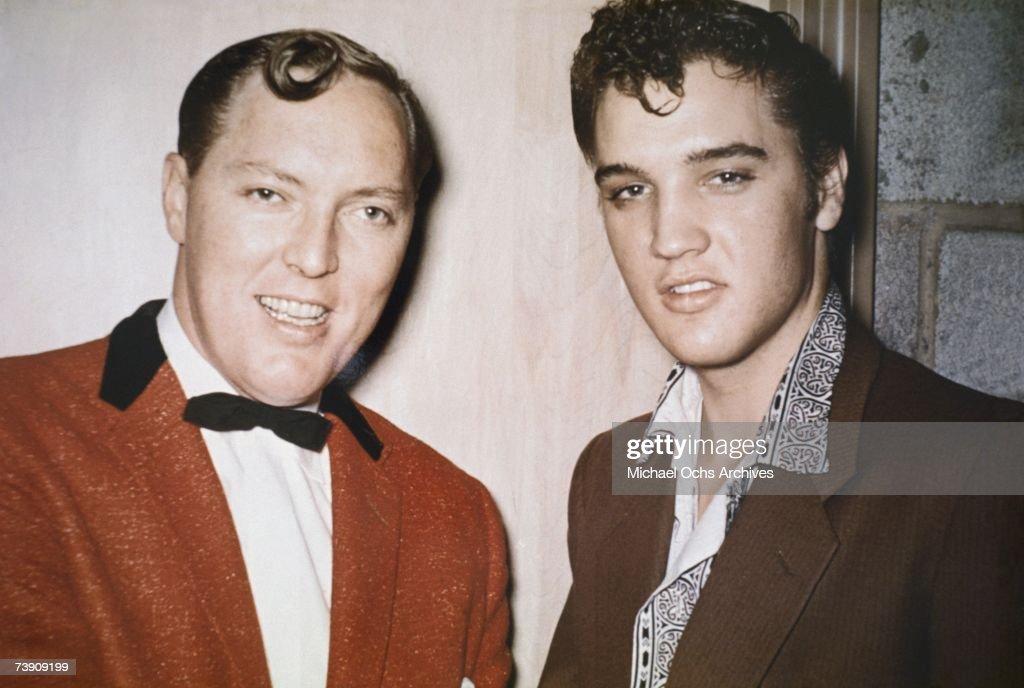 Elvis Presley with Bill Haley : News Photo