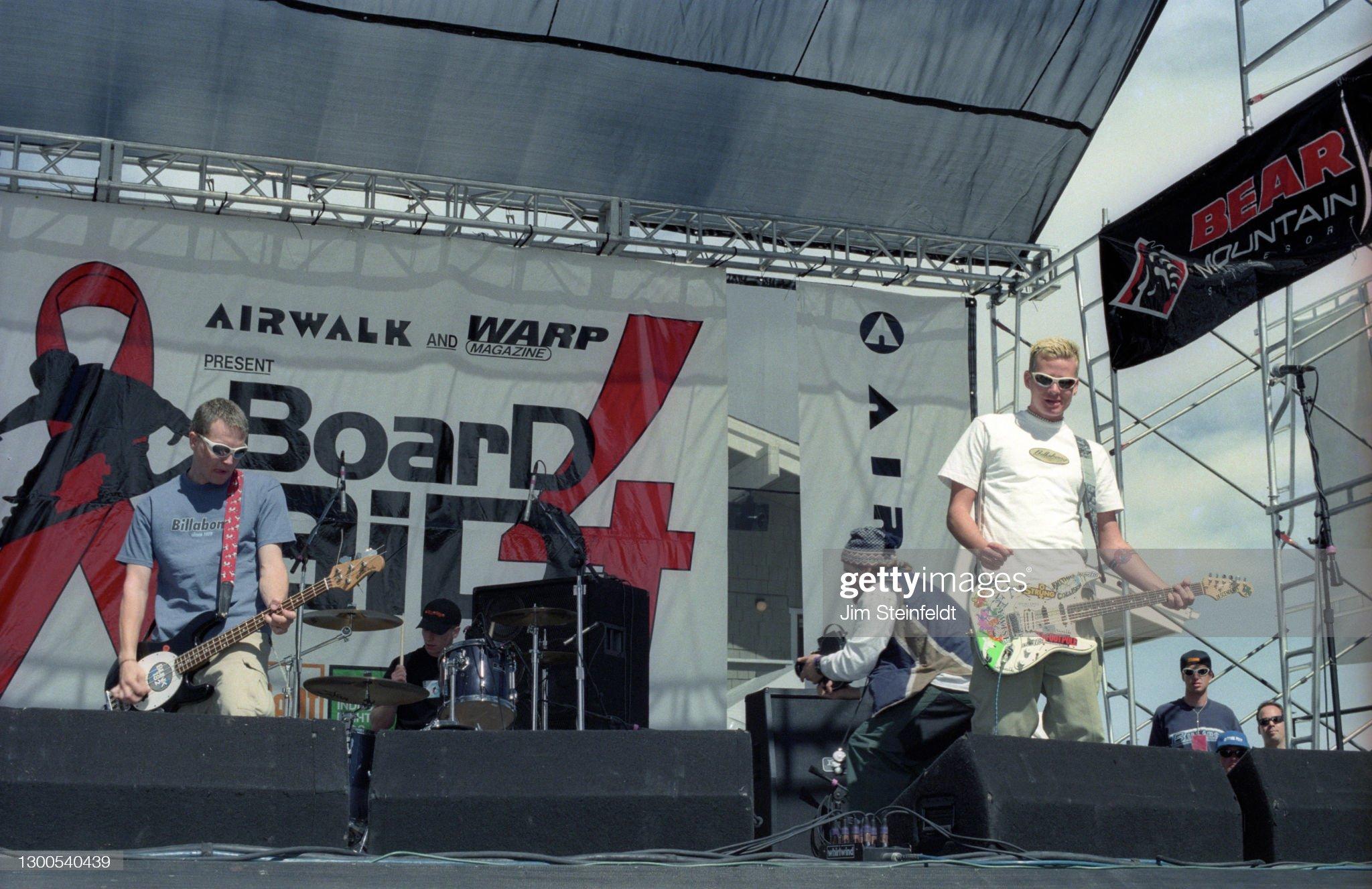 rock-band-blink-182-mark-hoppus-travis-b
