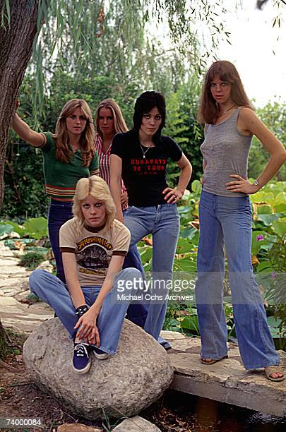 Rock band 'The Runaways' pose for a portrait in 1977 Sandy West Lita Ford Joan Jett Jackie Fox Cherie Currie