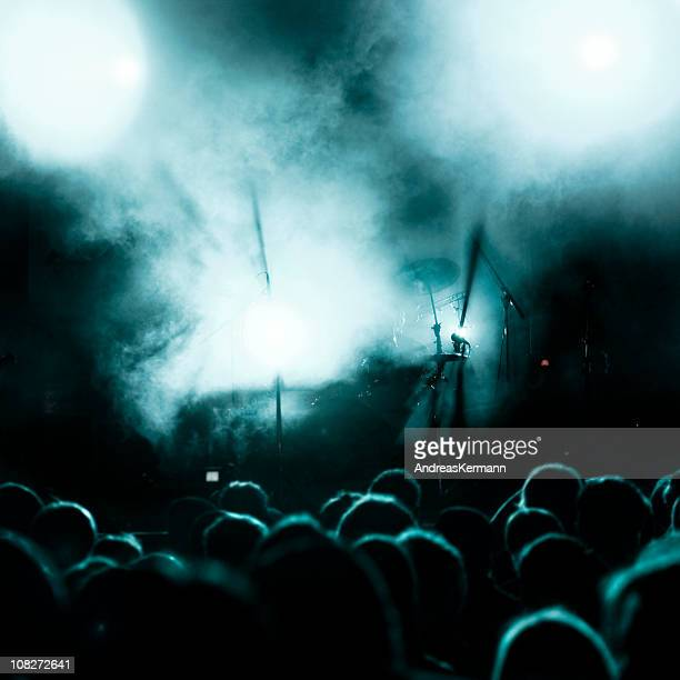 rock concert lightshow - popular music concert stock pictures, royalty-free photos & images