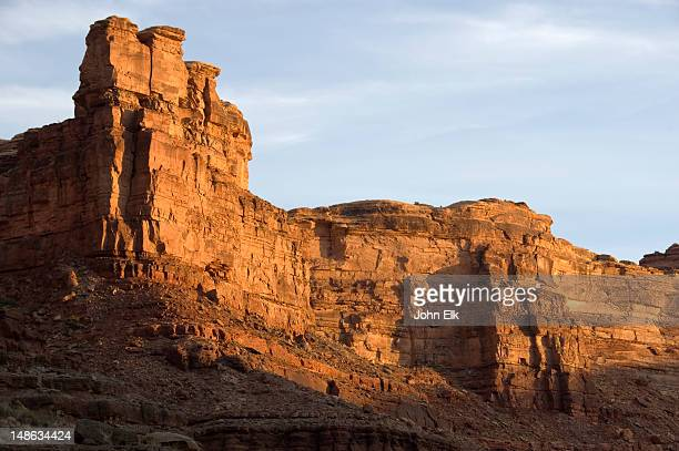 rock formations and cliffs of water canyon. - canyonlands national park stock pictures, royalty-free photos & images
