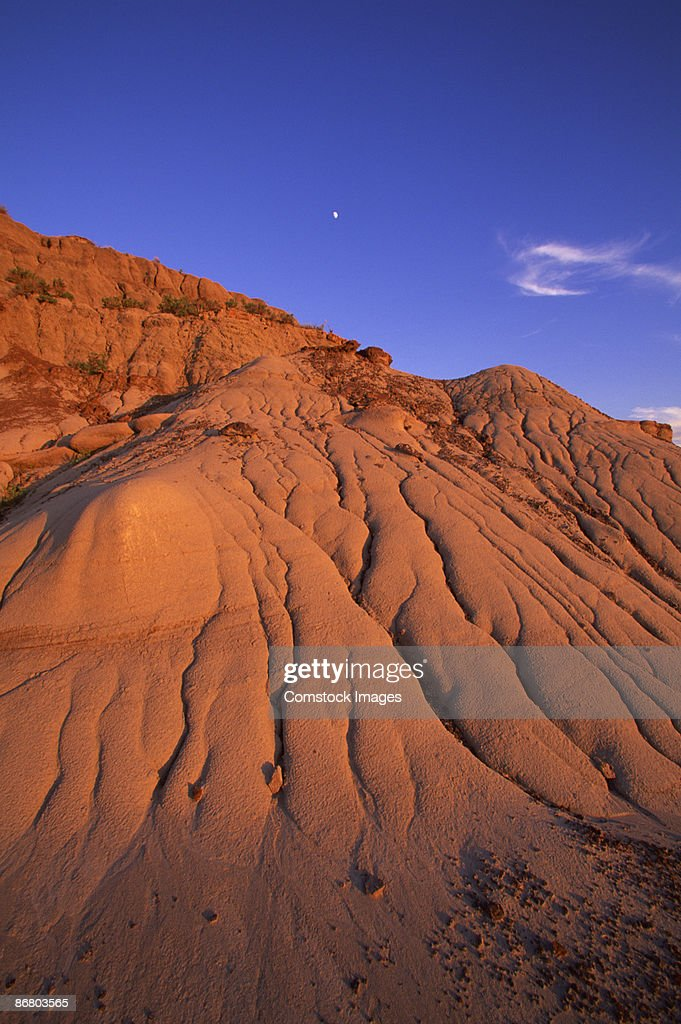Rock formations in dinosaur provincial park : Stock Photo