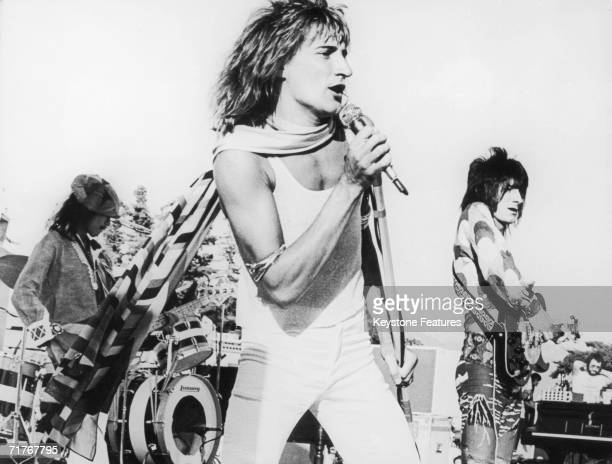 Rock group The Faces play to an audience of 22,000 people at the Earl Warren Showgrounds in Santa Barbara, California, 1973. Left to right: bass...