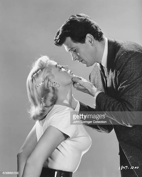 Rock Hudson and Dorothy Malone play the roles of Burke Devlin and LaVerne Shumann in the 1957 drama The Tarnished Angels.