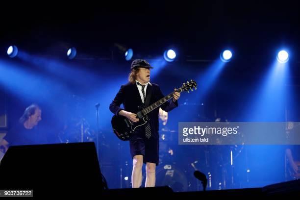 AC/DC Rock or BustOpen Air Tour Angus Young Axl Rose Stevie Young Cliff Williams und Chris Slade ESPRITArena Düsseldorf