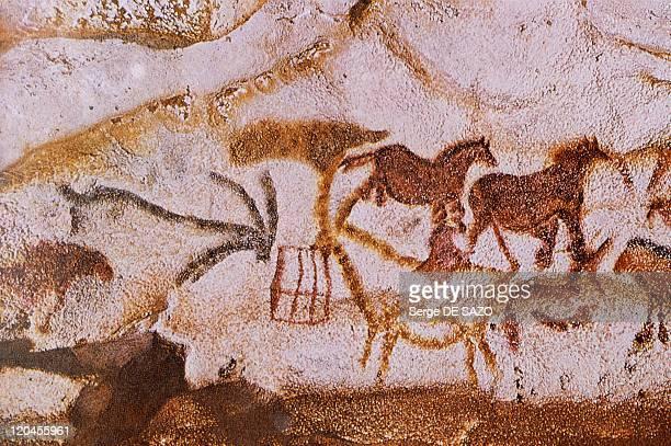Rock Painting In Lascaux France Peinture rupestre des cerfs