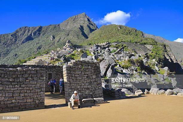 "rock quarry in machu picchu, peru - ""markus daniel"" fotografías e imágenes de stock"