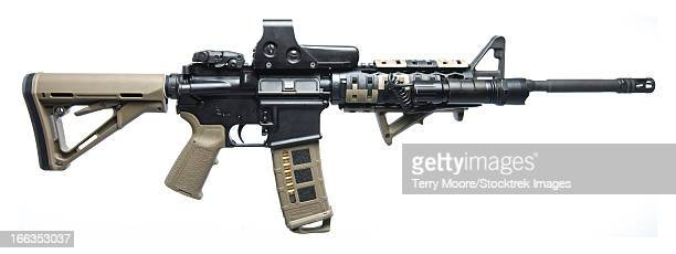 rock river arms ar-15 rifle equipped with combat light.. - ar 15 stock pictures, royalty-free photos & images