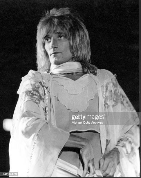 Rock singer Rod Stewart performs onstage in circa 1971