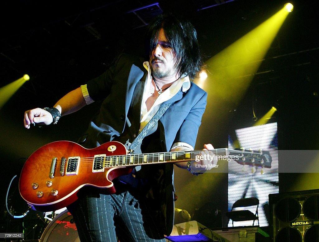гилби кларк гитарист фото особых сражений