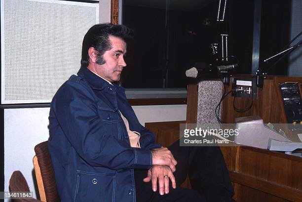 Rockabilly artist Warren Smith in the studios of BBC Radio London in April 1977 in London, England.