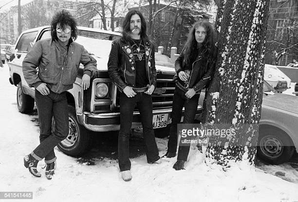 Rockband GrossbritannienPhil 'Philthy Animal' Taylor Lemmy Kilminster und 'Fast' Eddie Clarke in HamburgGanzkörperaufnahme