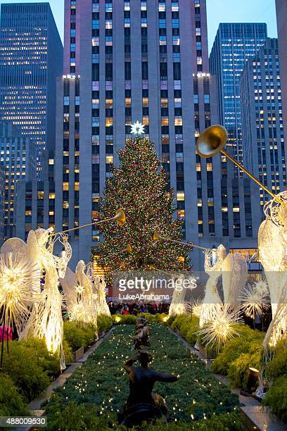 rockefeller center christmas tree - rockefeller centre stock pictures, royalty-free photos & images