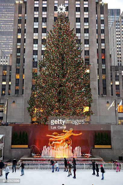 rockefeller ice-rink nyc # 5 xxxl - rockefeller center christmas tree stock pictures, royalty-free photos & images
